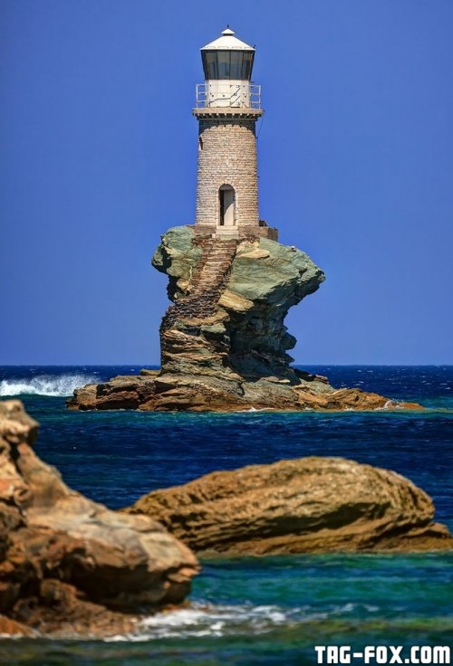 tourlitislighthouse.jpg.653x0_q80_crop-smart.jpg