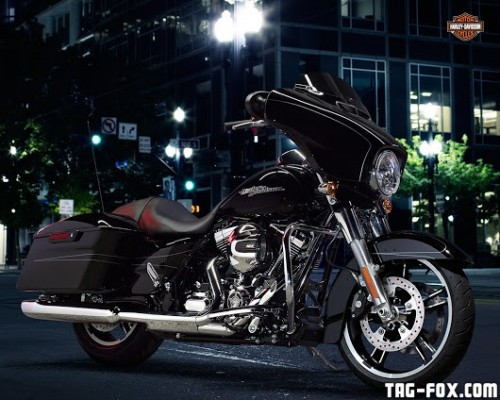 Touring-Street-Glide-Special.jpg