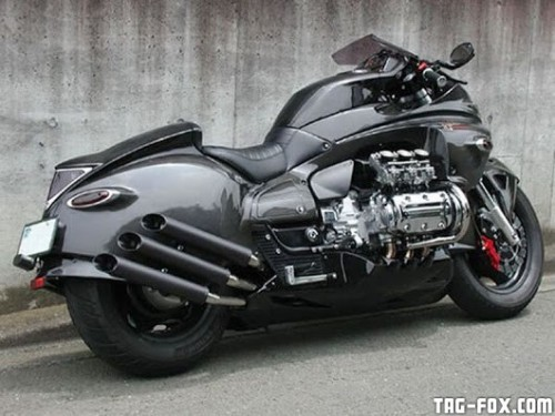 Whitehouse-Honda-Valkyrie-Dragon-King-06.jpg